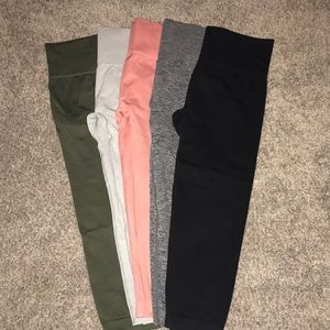 Five pairs of F21 cropped leggings